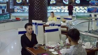 潘长江饭店点餐竟如此机智,这怕不是专门坑人的吧?