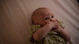 人体奥秘:深层解析婴儿眼里的世界 出生时新细胞被激活
