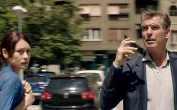 《十一月男人》中文片段 布鲁斯南玩弄黑道小混混