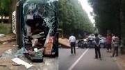 载中考生客车与轿车相撞