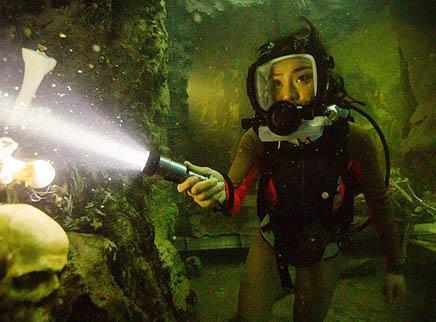 《鲨海逃生》先导预告 47米深潜惊魂危机即将上演
