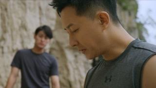 俞颂阳再次准备攀岩