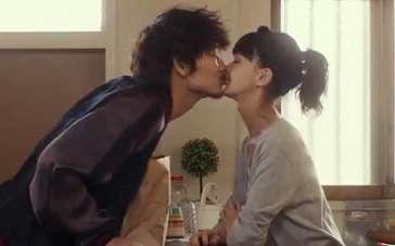 《小菜一碟》曝宣传片 绫野刚多部未华子心动之吻