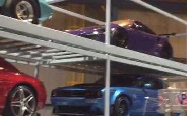 《速度与激情8》花絮视频 15分钟揭秘最新豪车