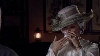 九公问二姐为什么不摘下帽子 二姐一摘下帽子九公惊呆了