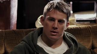 哈维让肖恩打假拳获得更高的收入 而肖恩不愿意为钱而倒下