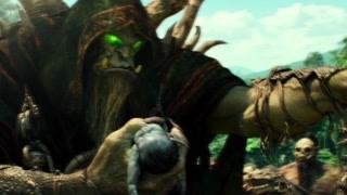 兽人穿过黑暗之门来到艾泽拉斯 德拉卡刚好生产 古尔丹注入邪能