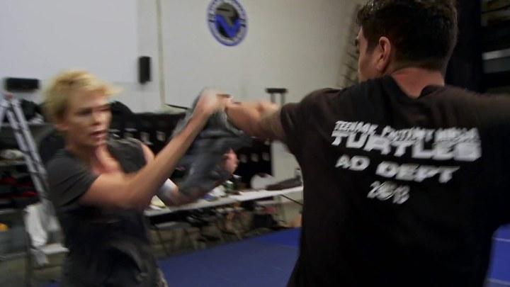 极寒之城 花絮:Fight Like a Girl