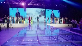 整场秀充分展现出现代旗袍的魅力 很成功了已经