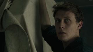 髓骨:杰克掩盖破碎镜子 阁楼上地板印记吸引杰克