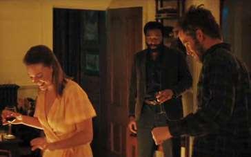 《撒迦利亚》曝光片段 三人行壁炉暖火愉悦漫舞