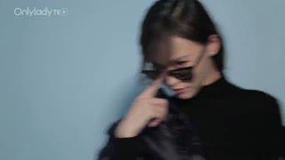Cover star:唐嫣变身空姐 制服诱惑献身《露水红颜》