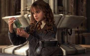 《哈利·波特与密室》片段 魔法三人组厕所大变身