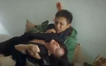 """《不再让你孤单》片段 舒淇投怀送抱""""骚扰""""刘烨"""