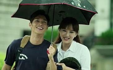 《此情此刻》香港预告 老照片全家福感动全港