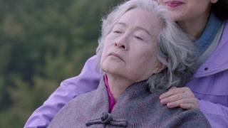 老母亲病逝 看得让人心碎!