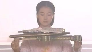 周芷若向少林交出倚天屠龙 断刀断剑不复当年荣光?