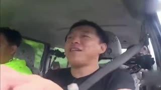 """张艺兴综艺节目 《极限挑战》大电影曝光""""下乡版""""海报 黄渤张艺兴"""