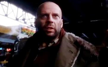 《十二只猴子》预告片 威利斯穿越过去拯救人类