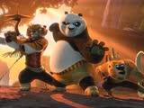 《功夫熊猫2》片段:孔雀王炮轰熊猫阿宝,高楼崩塌,场面震撼
