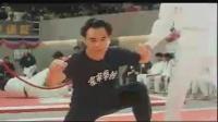 星爷被攻击关键部位,耍贱放大招秒杀对手,比武瞬间变尬舞~