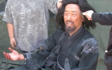 《群盗》中文制作特辑 尹钟彬精心打造每个细节