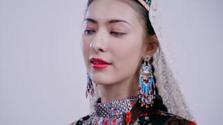 维吾尔族服饰百年之美