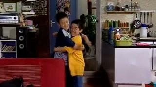 """刘星回家到处找小雨,小雨吓得只喊""""哥我错了"""",结局却让人意外"""