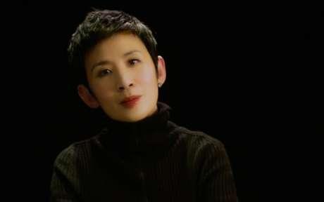 《妖铃铃》首映吴君如落泪献《朋友》MV致谢