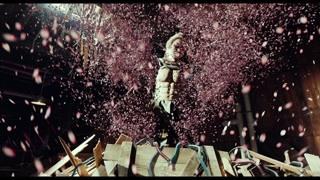 红樱被斩断之后连人带刀都化作了樱花花瓣