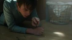 超能失控 片段之Teen Tortures Spider