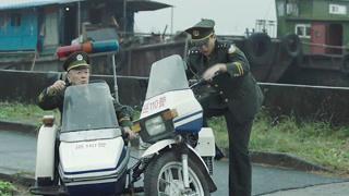 警察的三蹦子怎么这么不靠谱