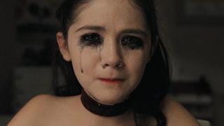 女孩是极其危险的精神病人