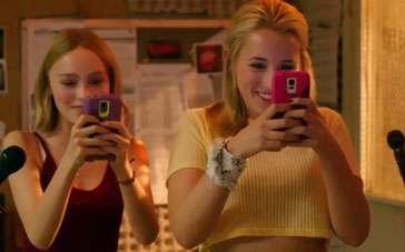 《瑜伽妹斗罗》曝光视频片段 姐妹俩嘲笑半裸男