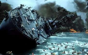 《珍珠港》精彩片段 美国海军遭日军偷袭伤亡惨重