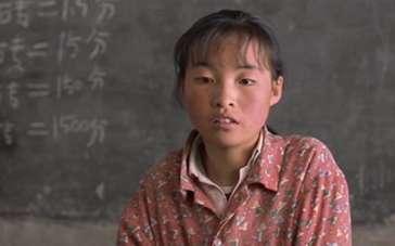 《一个都不能少》片段 代课老师魏敏芝集资寻学生