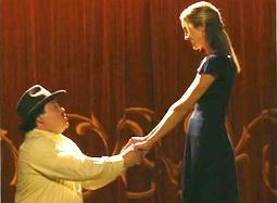 《伯尼》中文片段 杰克·布莱克表演天赋打动富婆