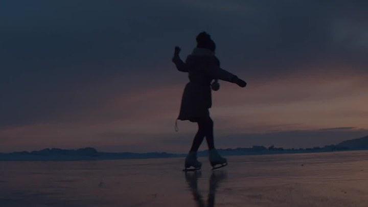 花滑女王 MV1:主题曲《飞翔》 (中文字幕)