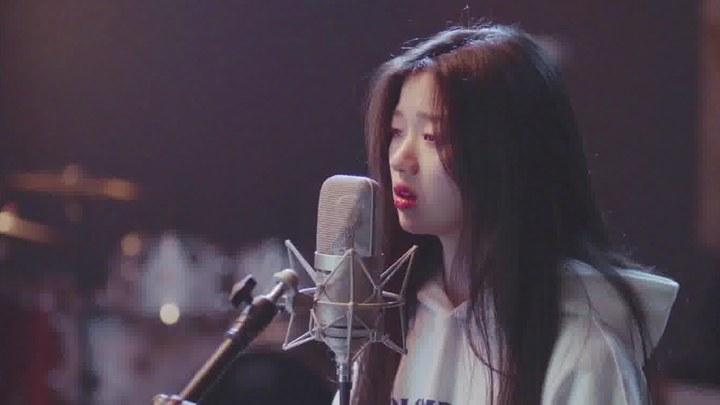 明天你是否依然爱我 MV1:单依纯献唱《永不失联的爱》 (中文字幕)
