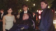 万物理论 制作特辑之Stephen Hawkings Set Visit