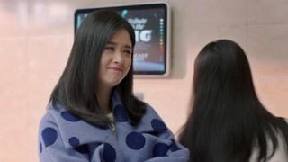 《欢乐颂2》蒋欣绝对是个感性的女孩子,这些眼神说明了一切