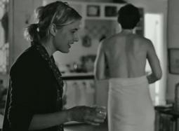 《弗兰西丝·哈》中文片段 好友叙旧不忘倒立练舞