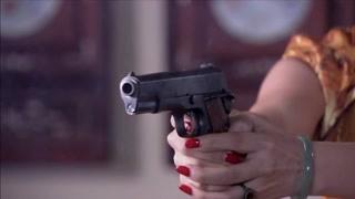 秦先生拿罗老虎前妻威胁他 危急时刻前妻一枪崩了秦先生
