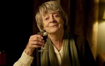 《可爱老女人》曝光片段 老妇人规律生活嗜好红酒