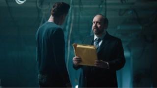 《富翁》查克找上阿克斯 两个看起落魄的男人会说些什么