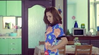 王小米穿一身睡衣与马克约会