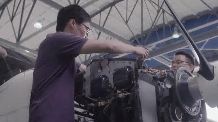 中国机长 MV1:插曲《翱翔天地》