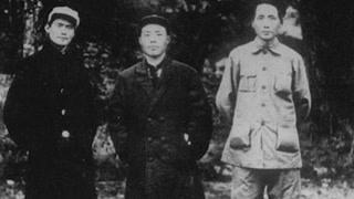 领导人军服五花八门 毛泽东绑腿配草鞋