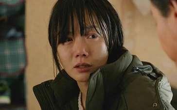 《隧道》中文预告片 裴斗娜救夫心切身心憔悴