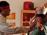 《推拿》李菁菁大块头变弱女子 对老公柔声细语